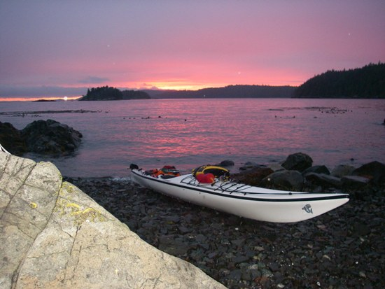 Kayaking Vancouver Island Johnstone Strait sunset at the beach